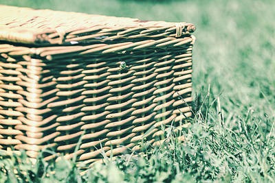 Picnic Basket Hamper With Leather Handle In Green Grass Art Print