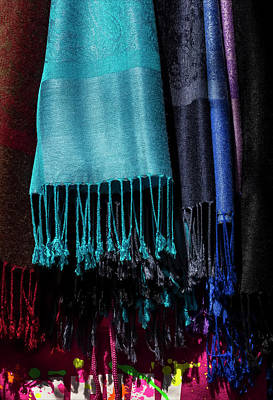 Stret Photograph - Scarves by Robert Ullmann