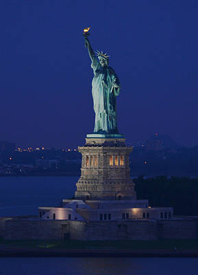 Photograph - Statue Of Liberty by Yue Wang