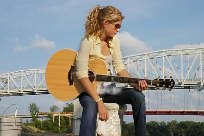 Taylor Swift Digital Art - Taylor Swift by Emma Brown