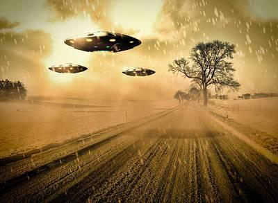 Paranormal Digital Art - Ufo Invasion Force By Raphael Terra by Raphael Terra