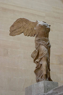 Louve Photograph - Winged Victory At Louvre by Carl Purcell