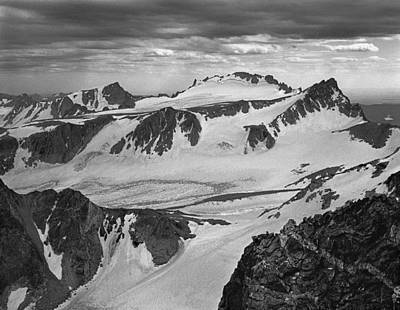 Photograph - 509437-bw High Peaks Wind River Range by Ed Cooper Photography