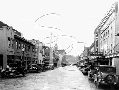 Photograph - 5th Avenue 1931 by Vibert Jeffers