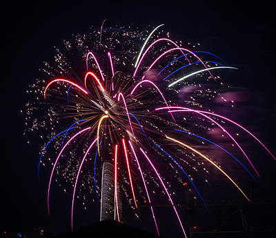 Photograph - Fireworks 2015 Sarasota 31 by Richard Goldman