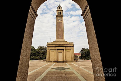 Memorial Tower - Lsu Print by Scott Pellegrin