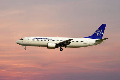 Photograph - Funjet Vacations Boeing 737-400 by Smart Aviation