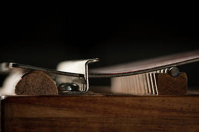 State Love Nancy Ingersoll - Thumb piano with silver and red tines by Stefan Rotter