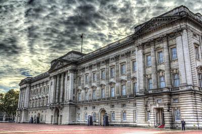 Pineapple - Buckingham Palace by David Pyatt