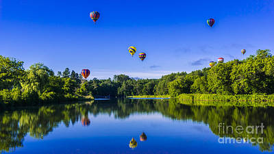 Photograph - Quechee Balloon Festival. by New England Photography