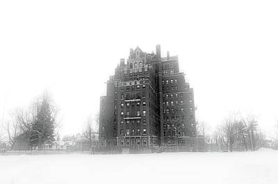 Photograph - 800 West Ferry In Fog #4363 by Guy Whiteley