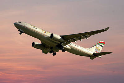 Photograph - Etihad Airways Airbus A330-243 by Smart Aviation