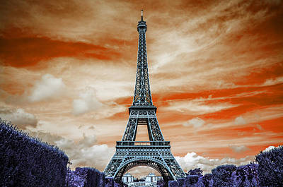 Financial Pyrography - The Eiffel Tower by Artistic Panda