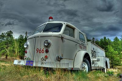 Photograph - Engine 966 by Tony Baca