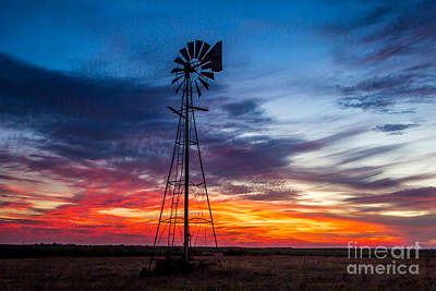 Photograph - A Beautiful Sky by Jim McCain