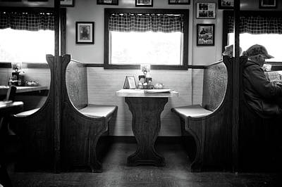 Photograph - A Booth In Moody's Diner by Rick Berk