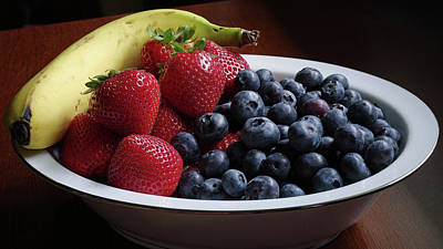 Photograph - A Bowl Of Fruit by Lori Coleman