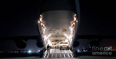 A C-17 Globemaster IIi Aircraft Art Print