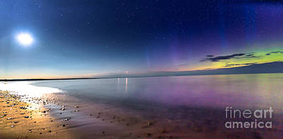 Sault Ste Marie Photograph - A Celestial Phenomenon On Whitefish Bay by Norris Seward