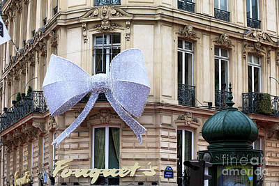 Photograph - A Christmas Bow On Fouguet's by John Rizzuto