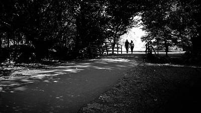 Stratford Photograph - A Couple In The Park - Stratford Upon Avon, England - Black And White Street Photography by Giuseppe Milo