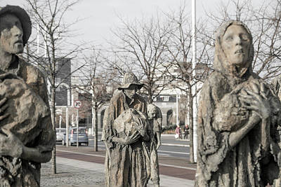 Famine Photograph - A Cruel World The Famine Sculpture by Betsy Knapp