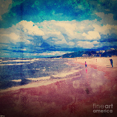 Print featuring the photograph A Day At The Beach by Phil Perkins