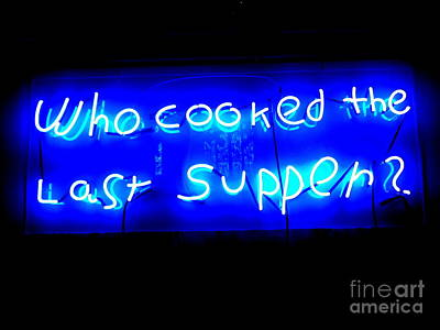 Photograph - A Dinner Question by Ed Weidman