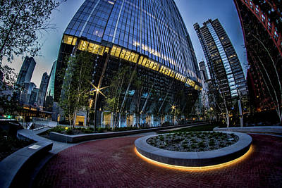 A Fisheye View Of The 150 Riverside Plaza In Chicago  Art Print