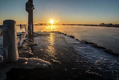 Habor Photograph - A Frigid Sunrise In Chicago. by Sven Brogren