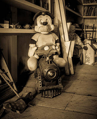 Old And In The Way Photograph - A Home For Mickey by Lisa Bell