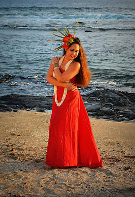 Photograph - A Hula Embrace by Lori Seaman