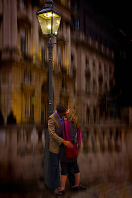 Photograph - A Kiss Under The Lamp Light by David French