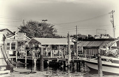 Photograph - A Local Landmark - Annies 2 by HH Photography of Florida