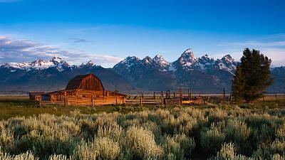 Photograph - A Moulton Barn by Monte Stevens