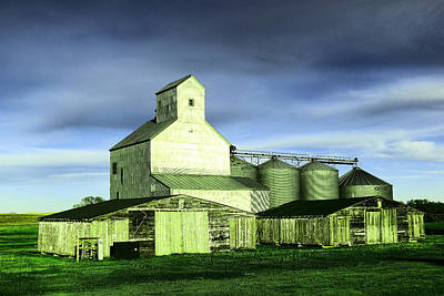 Photograph - A North Dakota Silo And Two Barns  by Jeff Swan