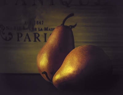 Photograph - A Pair Of Pears by Julie Palencia