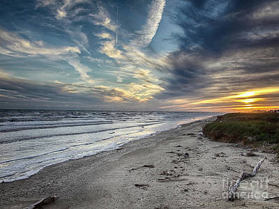 Photograph - A Peaceful Beach Sunset by Charles McKelroy