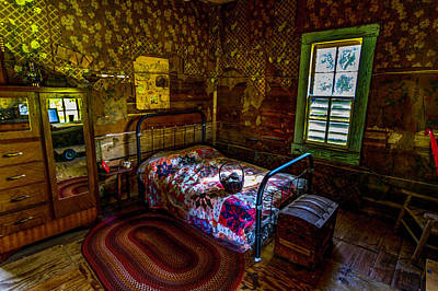 Photograph - A Place To Sleep by Ken Frischkorn