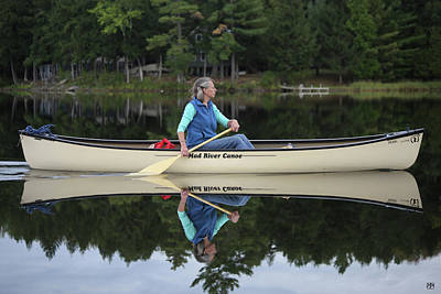 Photograph - A Reflective Paddle by John Meader