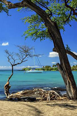 A Sailboat In Anaehoomalu Bay Art Print by James Eddy