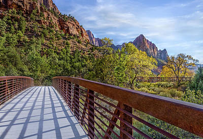 Photograph - A Scenic Hike by James Woody