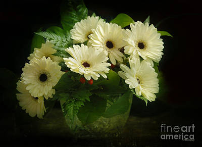 Photograph - A Simple Bouquet by Nancy Dempsey