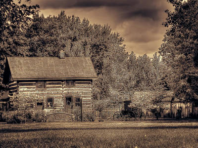 Photograph - A Simpler Time by Leslie Montgomery