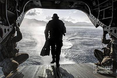 A Soldier Conducts A Combat Dive Art Print