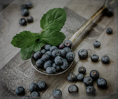 Photograph - A Spoonful Of Blueberries by Teresa Wilson