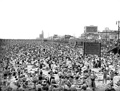 Photograph - A Summer Day At Coney Island by Underwood Archives