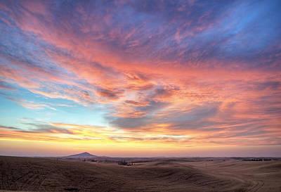 Photograph - A Sunset Show by Doug Davidson
