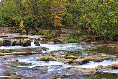 Photograph - A Touch Of Autumn by Ron Grafe