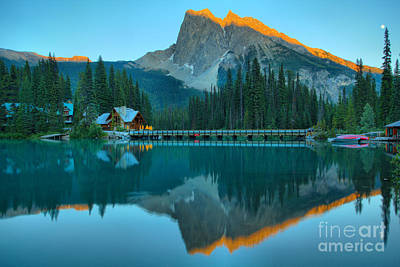 Photograph - A Trace Of Sunset At Emerald Lake by Adam Jewell